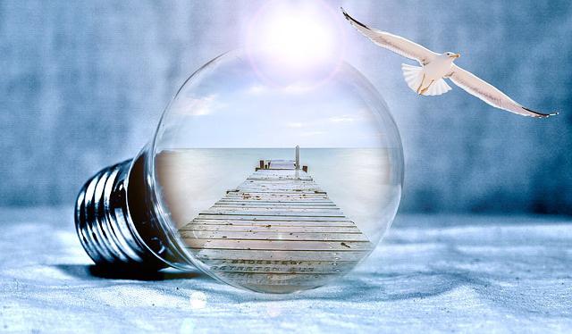 Budoucnost světa je v naší hlavě… Jsme jako žárovky. Buďme světlem!