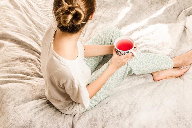 Když máte v menstruaci chřipku, (ne)berte hormony